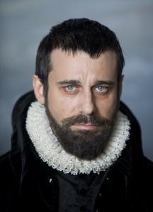 Jordi Mollà como Felipe II.