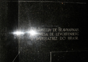 Detalhe da Inscrição que marca o repouso final de D. Amélia de Leuchtenberg.