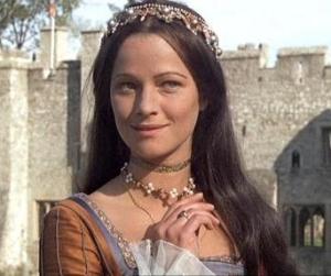 Charlotte Rampling no papel da tentadora Ana Bolena.