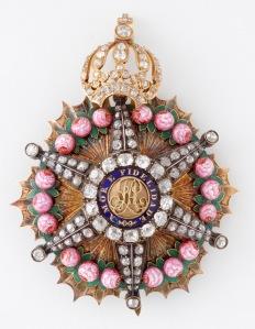 Ordem da Rosa, criada por D. Pedro I em decorrência de seu casamento com D. Amélia de Leuchtenberg.
