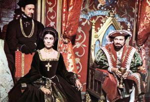 """Em cena Irene Papas como Catarina de Aragão,e Richard Burton como um """"moreno"""" Henrique VIII."""