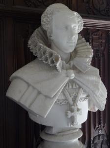 Tanto em retratos com em esculturas podemos observar em Maria Stuart um conjunto de características que não desagradam o olhar contemporâneo.