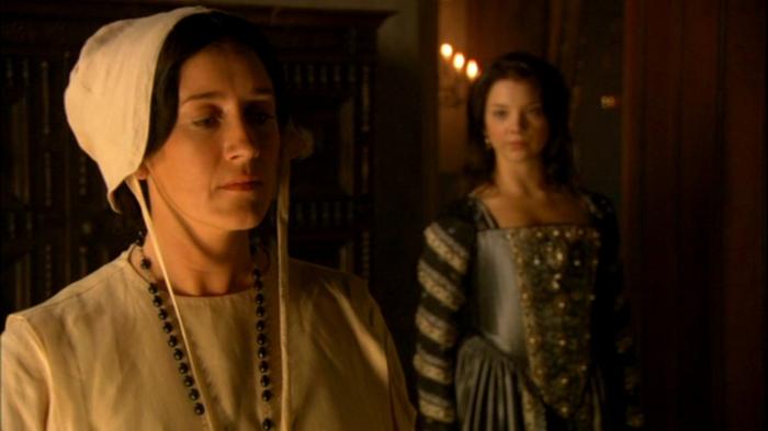 """Catarina de Aragão (Maria Doyle Kennedy) não facilitará as coisas para a amante de seu marido, a quem define nesse episódio de """"puta de luxo""""."""