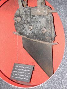 Lâmina da Guilhotina que decapitou Maria Antonieta em 16 de Outubro de 1793.