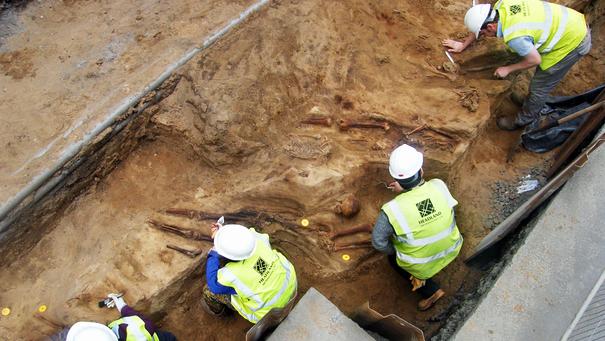 Escavações no cemitério da Igreja da Paróquia do Sul de Leith.