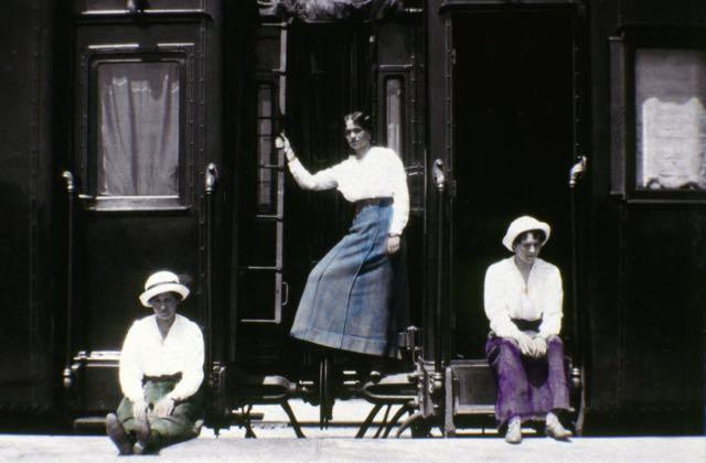 Maria, Olga e Tatiana Romanov.