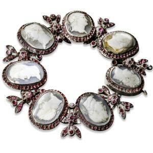 O bracelete que supostamente pertenceu à Maria Antonieta.