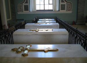 Túmulos da família Romanov, na fortaleza de São Pedro e São Paulo, em São Petersburgo.