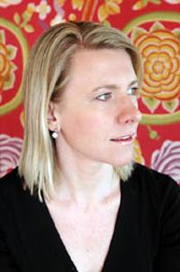 """Caroline Weber, autora de """"Rainha da Moda""""."""