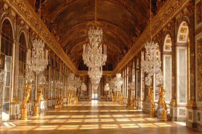 Salão dos Espelhos do Palácio de Versalhes