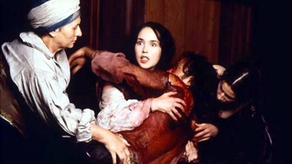 Margot salva La Môle (Vincent Pérez) de ser assassinado.