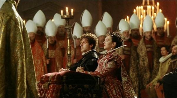Cena do casamento de Henrique de Navarra (Daniel Auteuil) com Margarida de Valois (Isabelle Adjani).